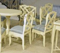 Стол и стулья из массива в Краснодаре