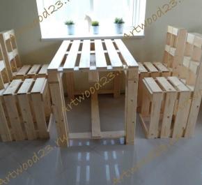 Стол в стиле паллет и 4 высоких стула в стиле паллет