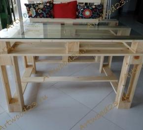 Стол в стиле паллет со стеклом