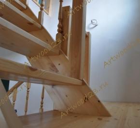 Лестница из массива (сосна)